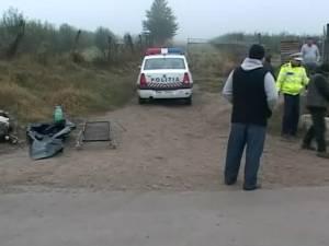 Bărbat mort în condiţii misterioase, după ce a fost accidentat şi lăsat în drum de un şofer
