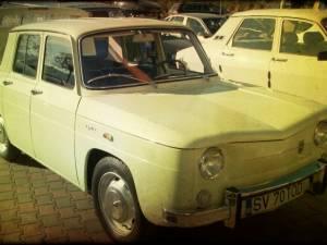 Paradă încântătoare a maşinilor retro, de la Trabant la Cadilac