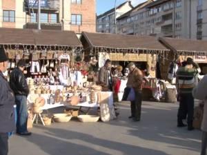 Bunătăţi tradiţionale şi creaţii ale meşterilor populari, la Târgul de Crăciun