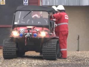 Un vehicul care poate merge prin mlaştini, teren accidentat, şi  zone izolate de zăpadă, în dotarea ISU Suceava