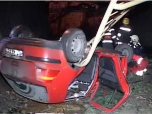 O maşină cu trei pasageri a plonjat de pe podul de la ieşirea din Suceava spre Şcheia