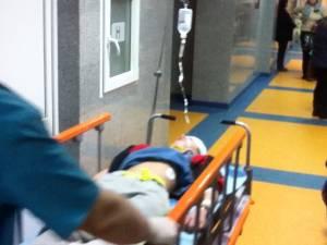 Un copil de 12 ani a suferit o fractură gravă la cap într-un accident pe terenul de sport