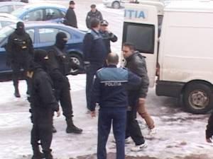 """Tinere cu probleme psihice, majoritatea minore, prostituate pentru romii din """"Blocul Ţigănesc"""" din Burdujeni"""