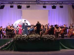 Orchestra Simfonică Bucureşti şi contratenorul Cezar Ouatu, pentru prima dată la Suceava, la Balul Vienez