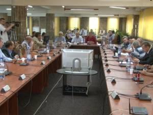 Tentativa de schimbare a viceprimarului PSD al Sucevei a dat peste cap şedinţa extraordinară de Consiliu Local