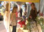 Vânzări record de flori în prim zi de şcoală