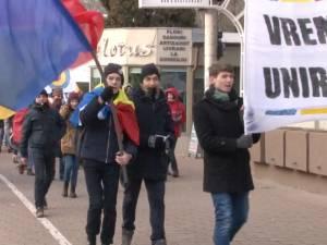 Elevi şi studenţi suceveni au cerut unirea Basarabiei cu României