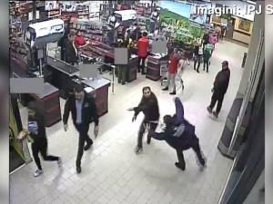 A furat dintr-un hipermarket şi l-a bătut pe agentul de pază care l-a prins