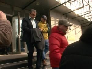 Prefectul Florin Sinescu şi primarul din Brodina, Vasile Melen, reţinuţi pentru 24 de ore de procurorii DNA Suceava