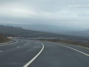 După şapte ani, primii 5,5 km din şoseaua de centură a Sucevei s-au deschis traficului rutier