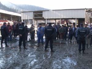 Executarea Uzinei de prelucrare a cuprului Iacobeni, blocată de muncitorii rămaşi brusc şomeri