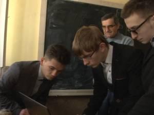 """Lansarea unui satelit, simulată de elevi ai Colegiului """"Petru Rareş"""" Suceava"""