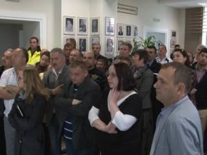 Salariaţii Primăriei Rădăuţi reclamă că au fost uitaţi în totalitate de autorităţi