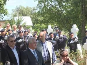 Oamenii politici nu s-au înghesuit să fie alături de Traian Băsescu la înmormântarea socrului