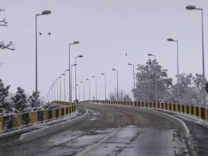 Pasarela CFR de la Iţcani a fost redeschisă circulaţiei rutiere