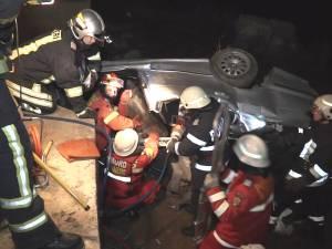 Un tânăr mort, alţi trei răniţi, după ce s-au răsturnat cu BMW-ul lui Robert Marian.