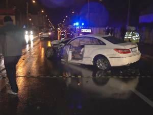 Un Mercedes s-a făcut bucăţi, după un accident violent produs din cauza vitezei