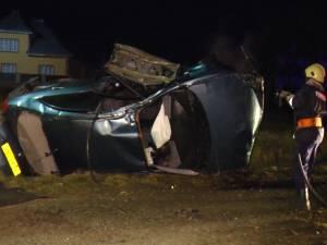 Un tânăr de 17 ani care gonea la volanul unei maşini a murit în urma unui groaznic accident