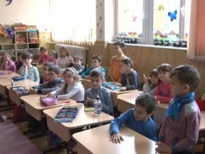 """""""Ziua porţilor deschise"""" pentru părinţi şi viitori elevi, la Şcoala Gimnazială Nr. 1 Suceava"""