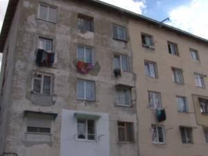 """Şanse de consolidare a """"Blocului Groazei"""", cu risc seismic ridicat"""