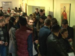 150 de tineri s-au înscris în prima zi la concursul pentru posturile de agenţi de poliţie