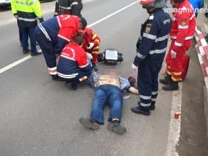 Accident groaznic: un bărbat şi fiul său, pietoni, loviţi în plin de o maşină