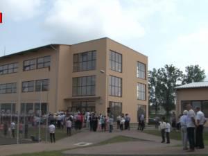 Campus şcolar în valoare de 8 milioane de euro, inaugurat la Vicovu de Sus, la cel mai mare liceu din judeţ