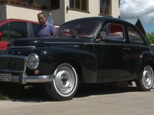 Un sucevean a readus pe străzi un superb Volvo de epocă de la începutul anilor '60