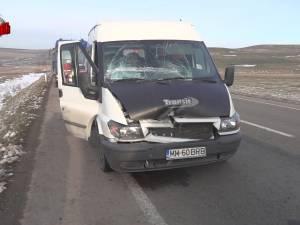 Două camioane şi o autoutilitară s-au ciocnit din cauza unei oi