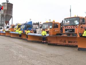 Peste 30 de utilaje de intervenţie la deszăpezire şi 900 de tone de antiderapant, pregătite pentru iarnă