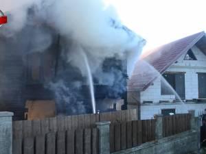 O bătrână şi-a pierdut viaţa într-un incendiu, după ce a încercat să aprindă focul în sobă