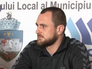 Universitatea primeşte vizita campioanei, liderul la zi Dinamo Bucureşti