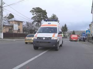 Ambulanță implicată într-un accident, după ce un șofer de 85 de ani nu i-a acordat prioritate