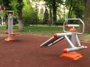 Distrugeri de sute de mii de lei la locurile de joacă şi spaţiile de fitness din municipiul Suceava
