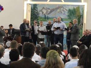 Biserică Penticostală din Suceava, înţesată de deţinuţi şi poliţişti care i-au păzit