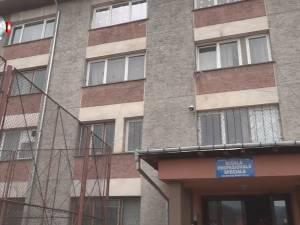 Peste 250 de elevi cu deficienţe moderate şi severe, de la Şcoala Specială din Câmpulung, riscă să ajungă în stradă