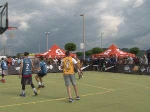 Meciul Vedetelor, atracţia competiţiei sportive Castorii Suceava Streetball