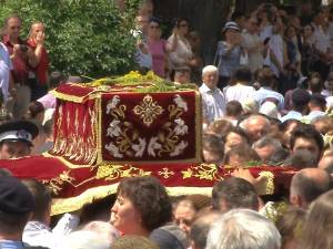 25.000 de oameni au căutat sâmbătă alinare la Sfântul Ioan cel Nou de la Suceava