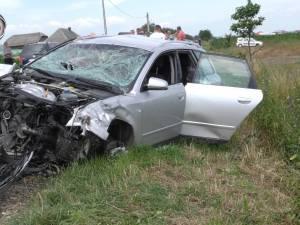 Un tânăr mort, soția și fiica rănite grav, după un groaznic accident