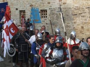 Cel mai mare festival medieval din România, deschis oficial, cu salve de tun şi binecuvântarea lui Ştefan cel Mare
