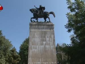 Restaurarea monumentului ecvestru al domnitorului Ștefan cel Mare, scoasă la licitaţie