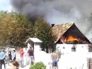Un incendiu violent a afectat grav o gospodărie din Falcău