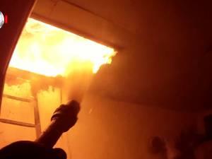 Instalaţiile electrice defecte au dus la izbucnirea unor incendii