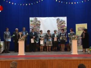 """""""Gala Oamenii Şcolii"""", la Moldoviţa, un eveniment al emoţiilor, al preţuirii şi al recunoştinţei"""