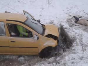 Un bărbat mort, altul rănit grav, după o depăşire imprudentă, pe un carosabil cu strat de zăpadă