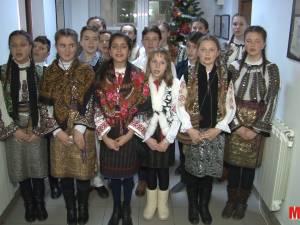 Ziarul nostru a fost colindat de elevii Şcolii Gimnaziale Pătrăuţi