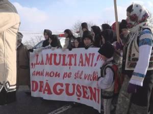 Peste 500 de participanți la parada obiceiurilor de iarnă pe stil vechi de la Drăgușeni