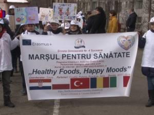 Elevii Școlii Nr. 4 Suceava au promovat mișcarea și alimentația echilibrată, în cadrul Marșului pentru Sănătate