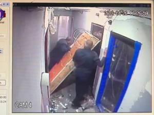 Explozie din cauza unei acumulări de gaze, într-o garsonieră din Burdujeni