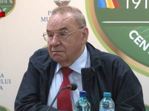 Andrei Marga şi-a prezentat două dintre volumele sale în cadrul unei şedinţe festive găzduite de Primăria Suceava